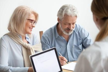 高齢者・シニア層の集客を成功させる5つの手法とは